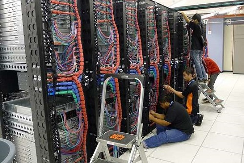 恒创科技香港服务器硬件维护
