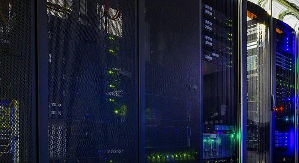 centos服务器实体图